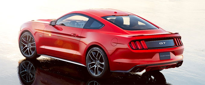 Ford Mustang 2015 - вид сзади