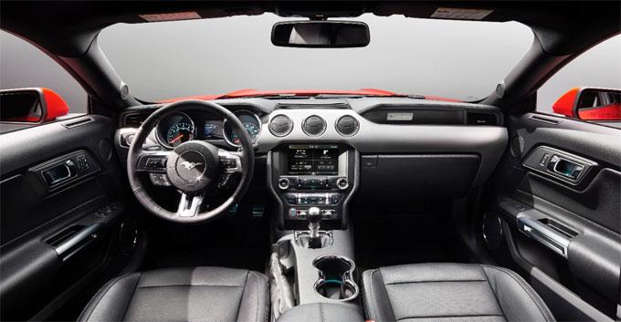 Форд Мустанг 2015 - интерьер (салон)