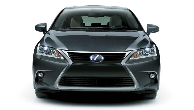 Новый Lexus CT 200h 2014 - вид спереди