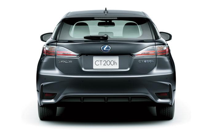 Новый Lexus CT 200h 2014 - вид сзади