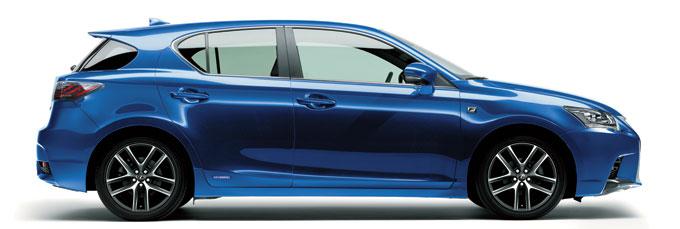 Новый Lexus CT 200h 2014 вид сбоку