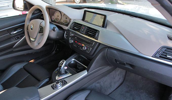 Интерьер (салон) BMW 328i 2012