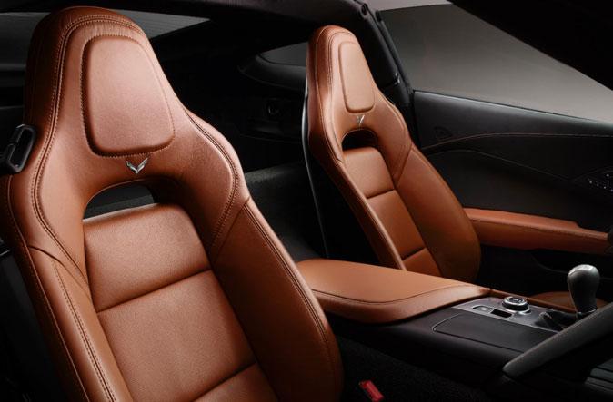 Интерьер Corvette Stingray - кресла