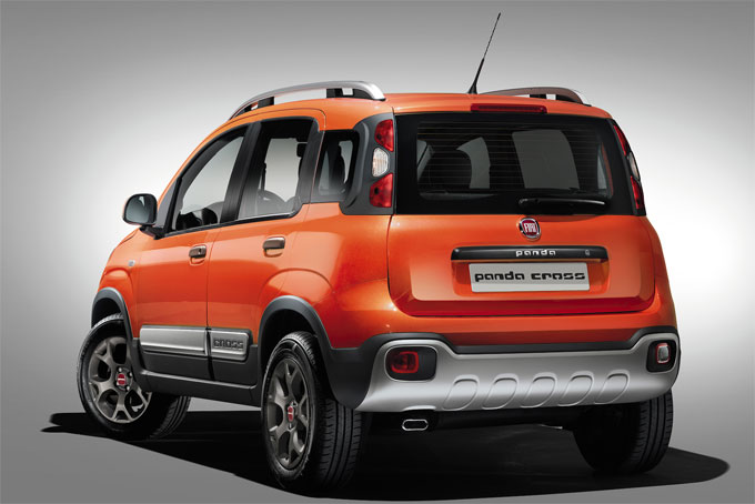 FIAT Panda Cross 2015 сзади