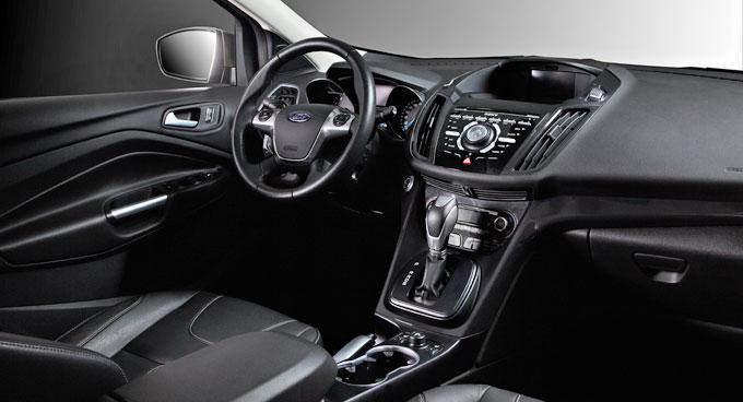 Интерьер (салон) Ford Kuga 2.5 в комплектации Trend Plus