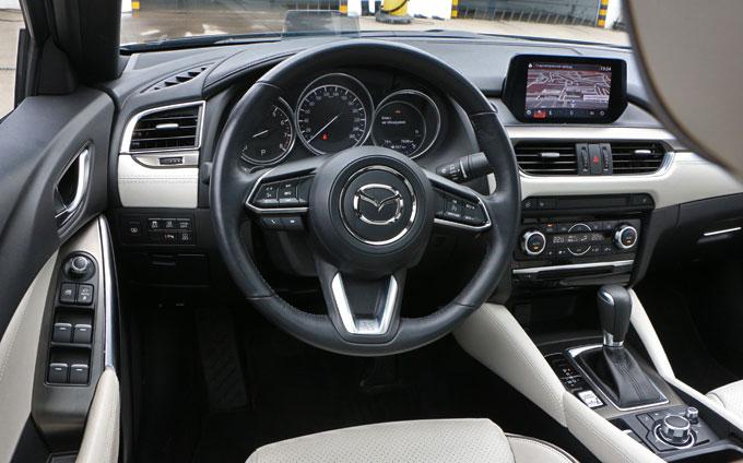 Mazda6 2017 - приборная панель