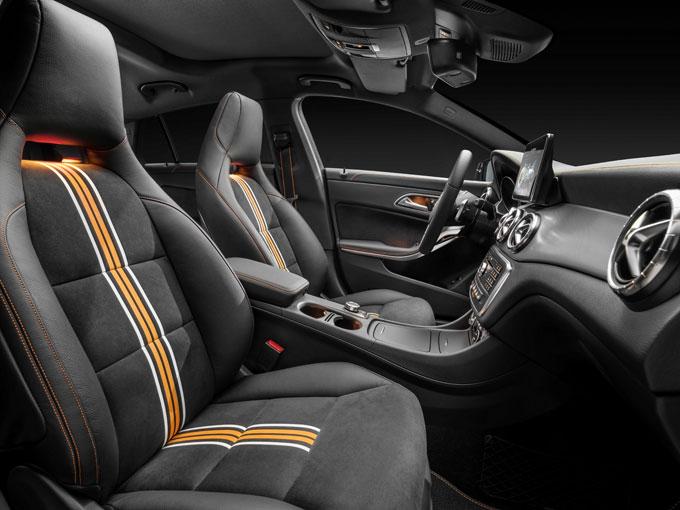 Интерьер (салон) Mercedes-Benz CLA Shooting Brake 2015 спецверсии