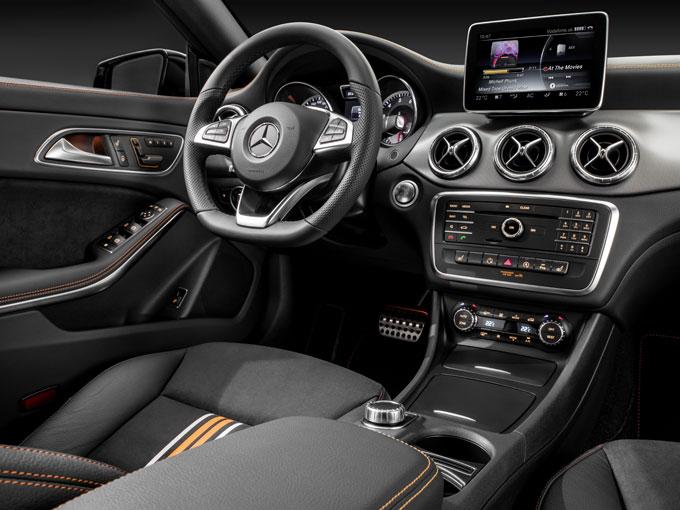 Интерьер (салон) Mercedes-Benz CLA Шутинг Брейк - передняя панель