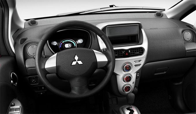 Интерьер (салон) Mitsubishi iMiEV