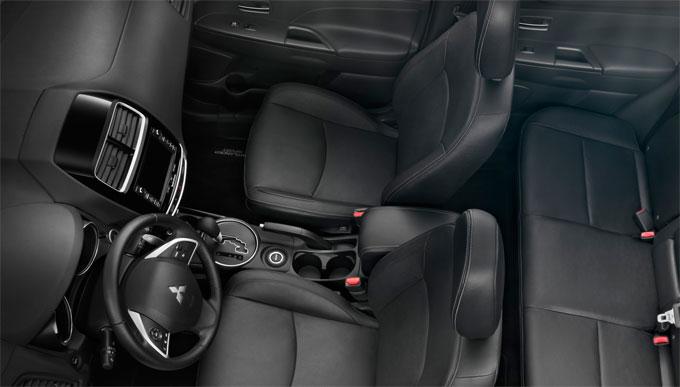 Mitsubishi Outlander 2014 - интерьер (салон)