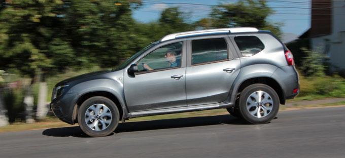 Nissan Terrano 2014 в профиль
