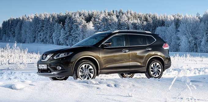 Nissan X-Trail 2015 - начало продаж в России. Комплектации и цены.