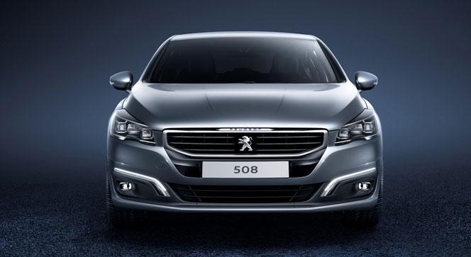 Peugeot 508 2015 анфас (спереди)