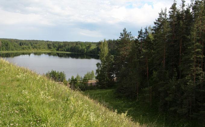 Озеро Черное у села Велье