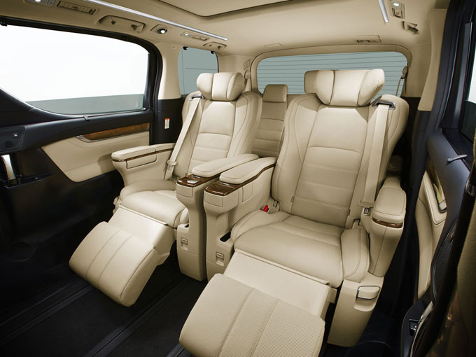 Интерьер (салон) Toyota Alphard 2015