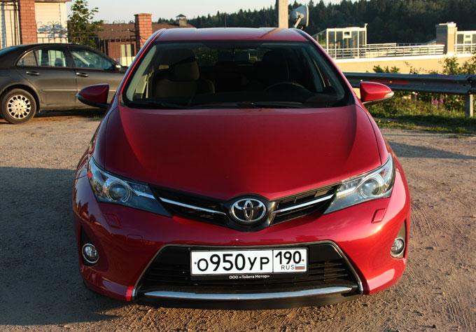 Toyota Auris 2014 - тест-драйв в Москве