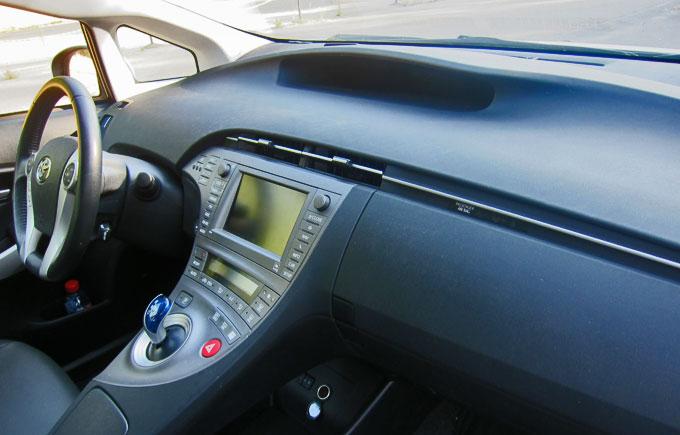 Передняя панель Toyota Prius