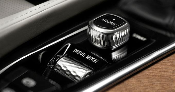 Салон Volvo XC90 2015 - ручка КПП