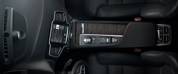 Архитектура салона Volvo XC90 2015