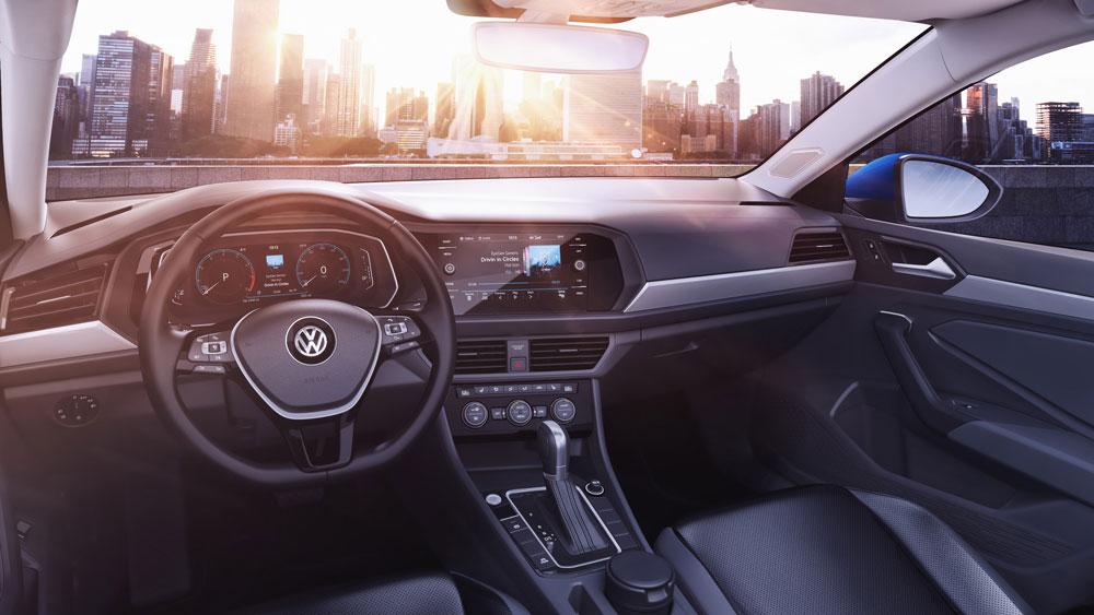 Интерьер VW Jetta 2019